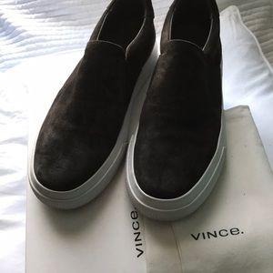 Vince sneaker size 8.5